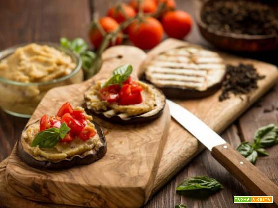 Hummus di ceci profumato al tè Lapsang: una bruschetta speciale