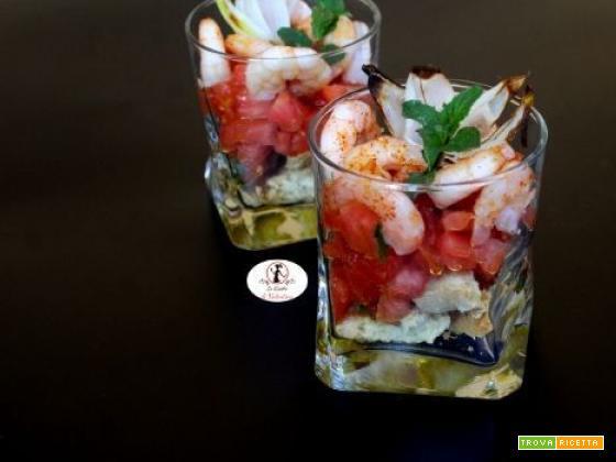 Cocktail di mazzancolle cotte in friggitrice ad aria, con cuore di bue, scalogno e friselle al profumo di menta