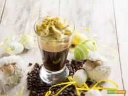 Nitro al caffè con spuma al pistacchio, un dessert fresco