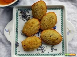 Madeleine alla lavanda, miele e limone: la ricetta per sentirsi in Provenza