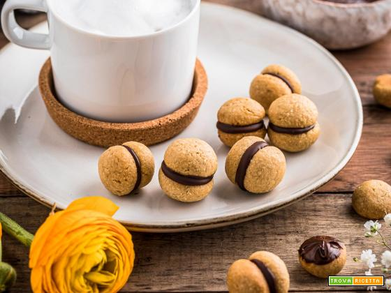 BACI DI DAMA VEGAN LADY'S KISSES | Italian Hazelnut Cookies