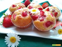Muffin yogurt greco e fragole