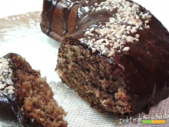 Torta brioche alle mandorle e cioccolato