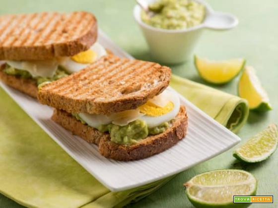 French toast con avocado, uno spuntino diverso dal solito