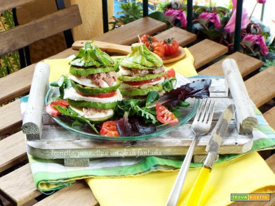 Torrette di zucchine con mozzarella, pomodoro e tonno
