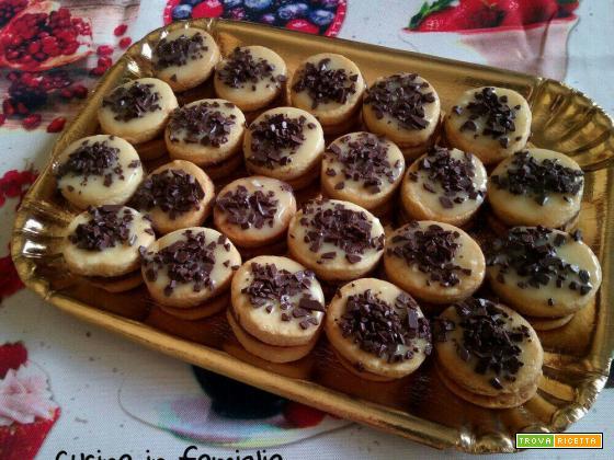 Biscotti fantasia di cioccolato - Ideali per l'ora del tè