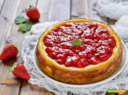 Cheesecake al forno con ricotta e fragole