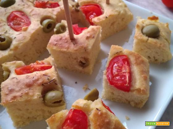 Torta salata pomodorini e olive