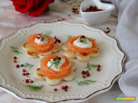 Fiorellini di polenta con salmone per la nostra Mamma