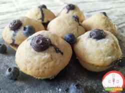 Muffins allo yogurt e mirtilli (senza uova)