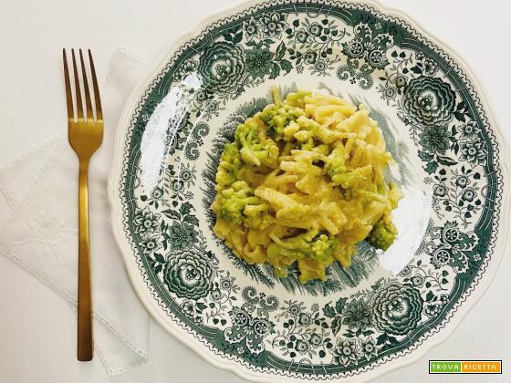 Pasta con cavolfiore e camomilla di Antonia Klugmann