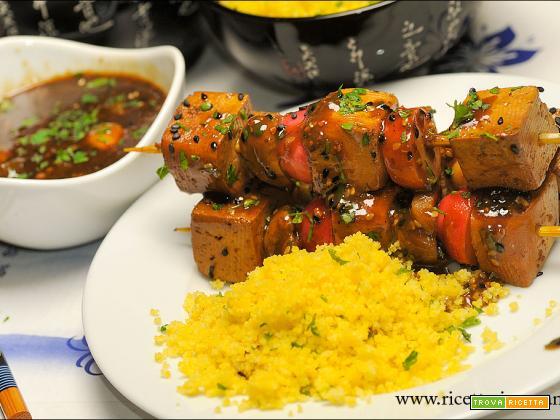 Spiedini di Tofu in agrodolce e couscous