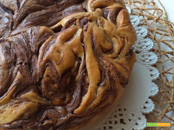Torta con nutella morbida e variegata