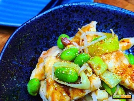 Pollo in salsa di soia agrodolce e verdure