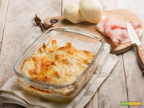 Parmigiana di patate e prosciutto, un classico italiano
