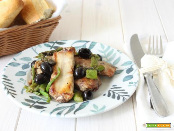 Costine di maiale con asparagi e olive