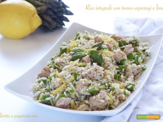 Riso integrale con tonno asparagi e limone