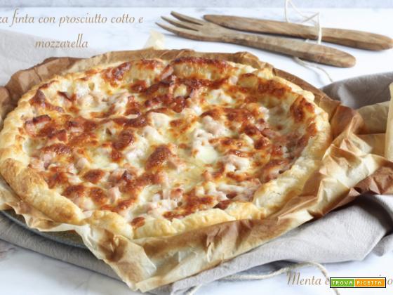 Pizza finta con prosciutto cotto e mozzarella