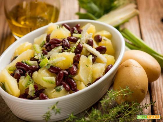 Insalata con patate e fagioli, un pasto fresco e nutriente