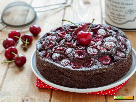 Torta alle ciliegie e cioccolato