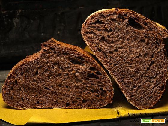 Pane nerissimo con acqua di riso Nerone