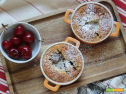 Clafoutis alle ciliegie in cocotte