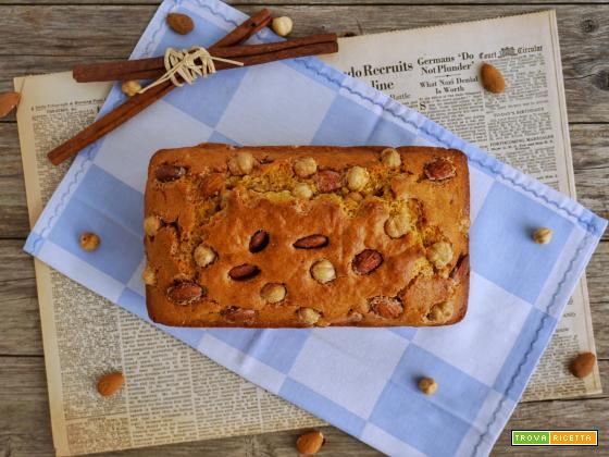 Plumcake con mandorle e nocciole caramellate