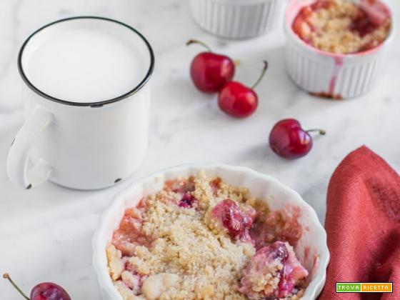 Crumble di ciliegie: ricetta facile e veloce