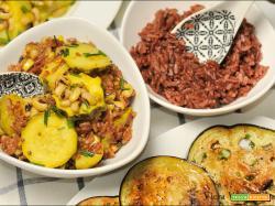 Zucchine saporite, fagioli dall'occhio e riso rosso thai