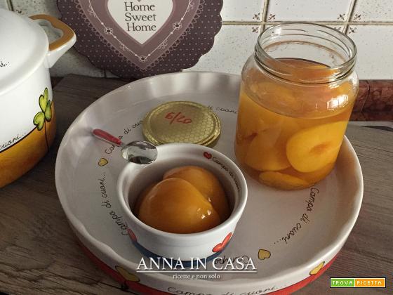 Pesche sciroppate alla vaniglia