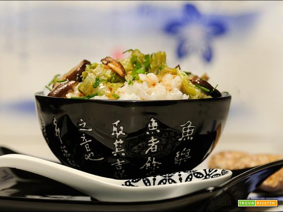 Porridge di riso, shiitake e cavolo cinese
