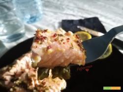 Salmone in salsa di senape e asparagi
