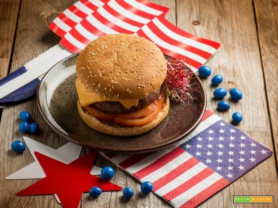 Cheeseburger americano, un classico da fast food