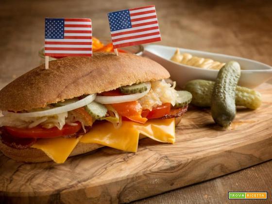 Hot dog con pancetta, un'esplosione di gusto