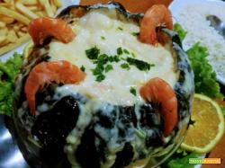 Camarao na moranga (zuppa di gamberi nella zucca)