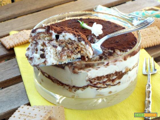 Torta di biscotti con crema chantilly