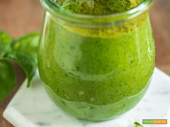 PESTO di BASILICO Vegano Senza Formaggio | EASY VEGAN BASIL PESTO