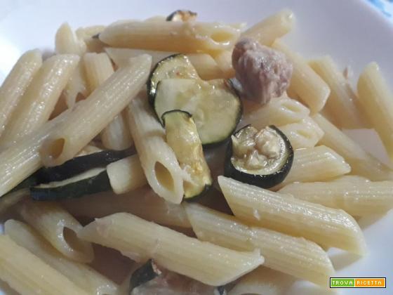 Pasta tonno, zucchine e limone. Ricetta estiva