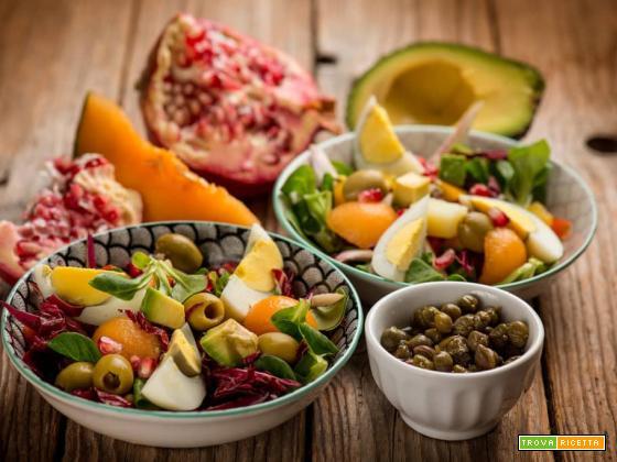 Fresca insalatona al melone con melagrana ed avocado