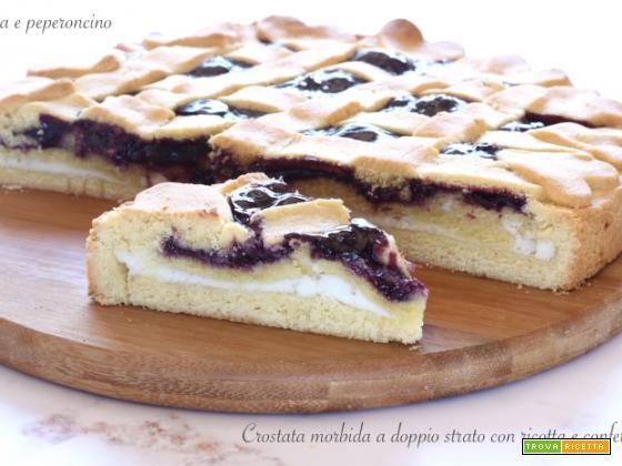 Crostata morbida a doppio strato con ricotta e confettura