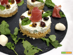 Mini cheesecake salate