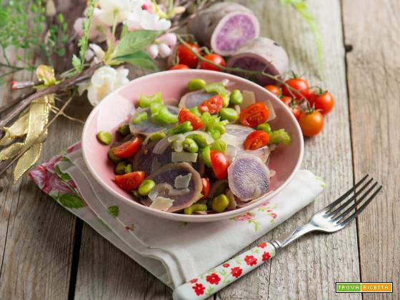 Insalata di patate viola e fave, un contorno particolare