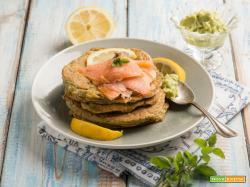 Pancakes di avocado per una colazione fusion