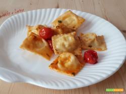 Ravioli di branzino con sugo di  pomodorini