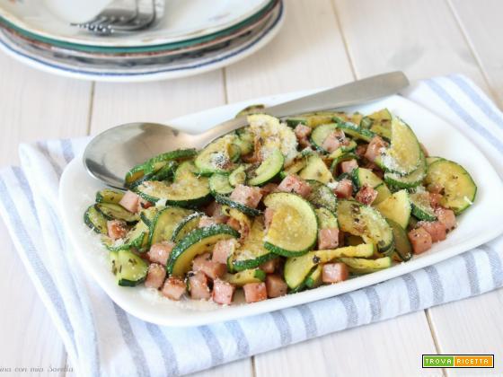 Zucchine e prosciutto in padella