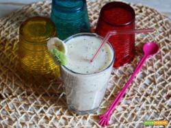 SMOOTHIE allo yogurt con kiwi e banane