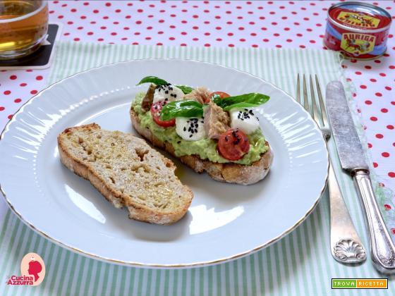 Crostone con Guacamole, Tonno e…