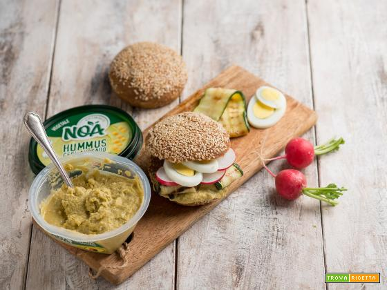Panino con hummus di ceci e avocado, un break unico!