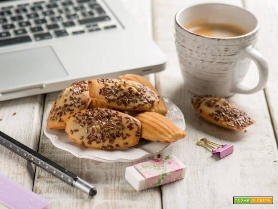 Madeleine al sorgo e semi di lino, dolcetto superfood