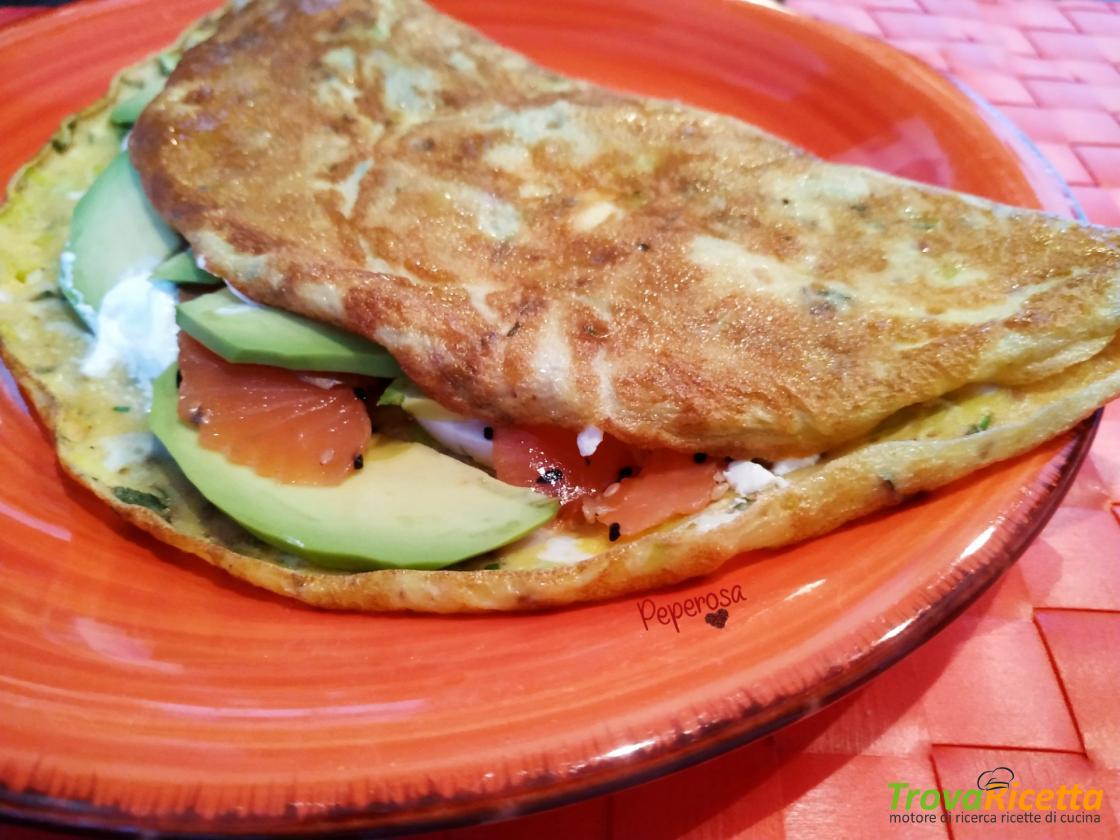 Ricetta Omelette Salmone.Omelette Salmone Avocado E Creme Fresh Ricetta Trovaricetta Com